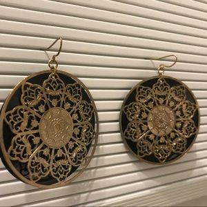 Jewelry - Gold and black earrings